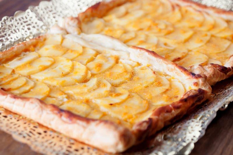 läcker hemlagad pie för äpple arkivbilder