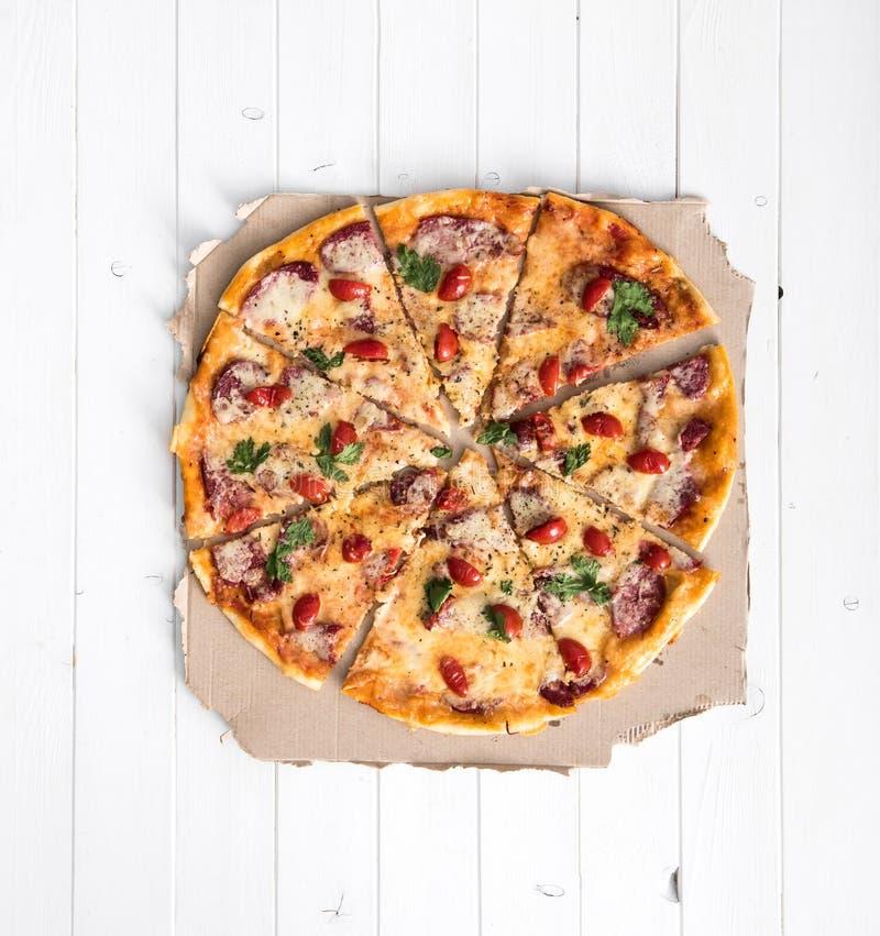 Läcker lagad mat bästa sikt för pizza arkivbild