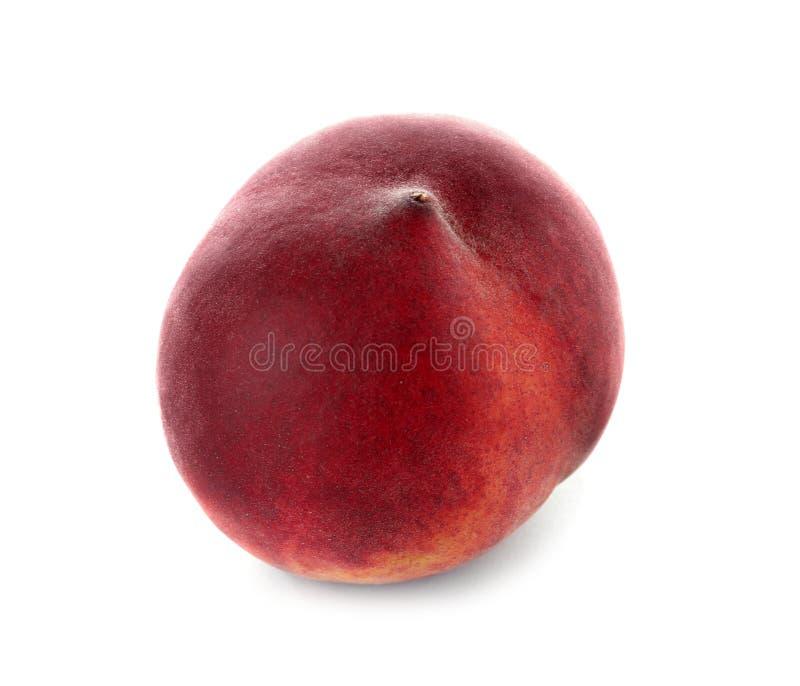 Läcker mogen söt persika på vit arkivbilder