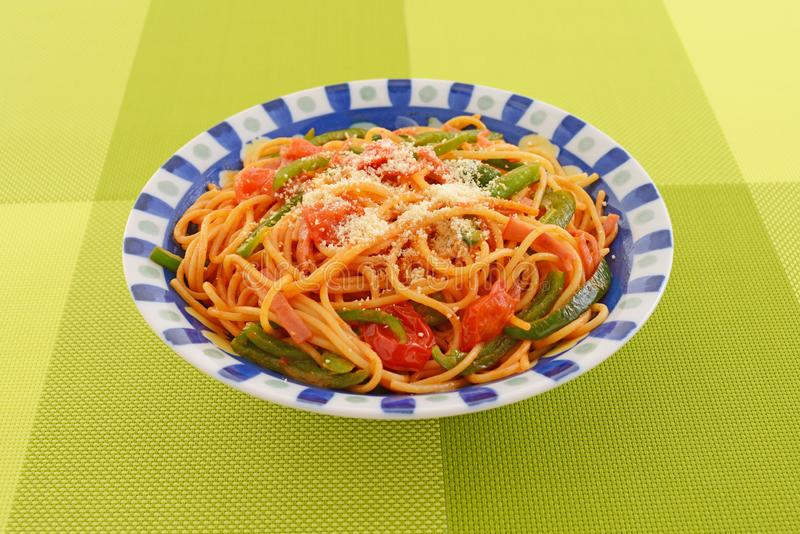 läcker spagetti royaltyfria bilder