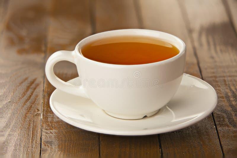 Läckert varmt te från peppar royaltyfri foto