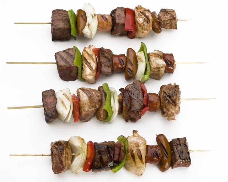 läckra grillade kebabs arkivbilder