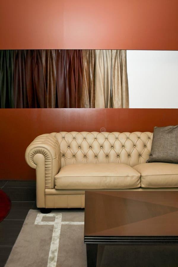 lädersofa arkivfoto