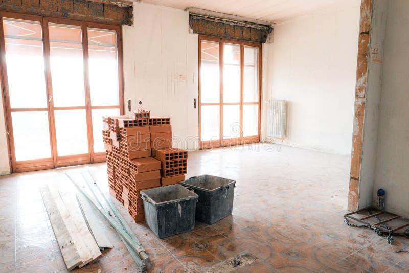 Lägenhet under renovering arkivfoton
