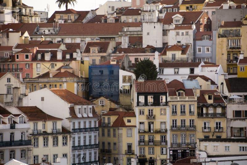 Lägenheter på den Rossio fyrkanten i Lissabon arkivfoto
