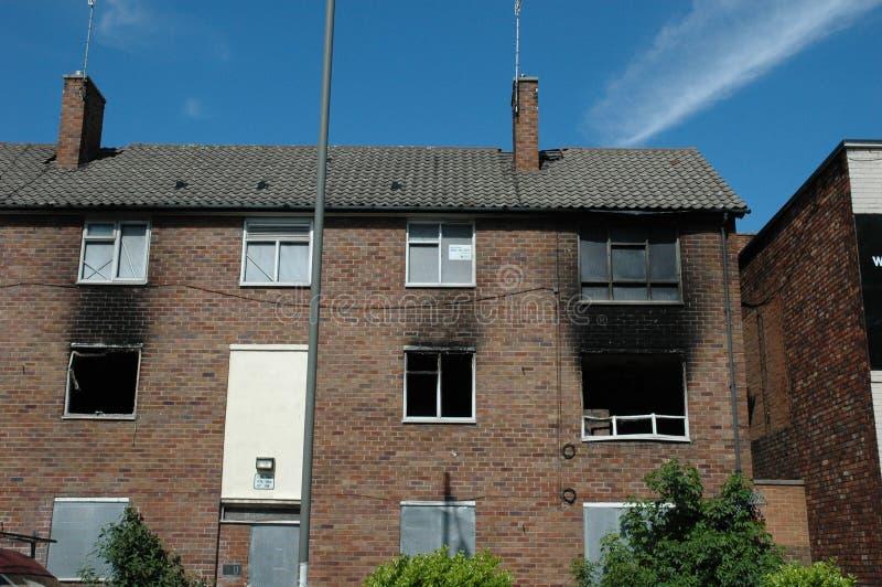 lägenheter skadlig brand fotografering för bildbyråer