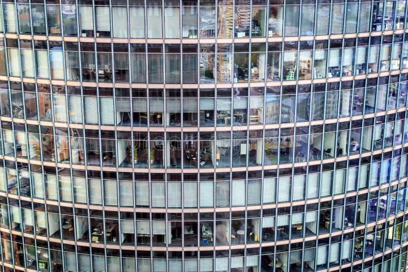lägenheter som bygger arbete för ställe för affärskontor royaltyfria bilder