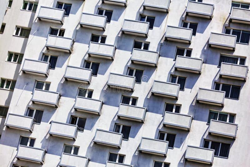 Lägenhethus, höghus, balkonger, stad, yttersida, hus, modernt, stads-, byggande som är bostads-, arkivfoto