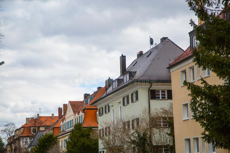 Lägenhethus i munich, hyrt som bor, idyll arkivfoton