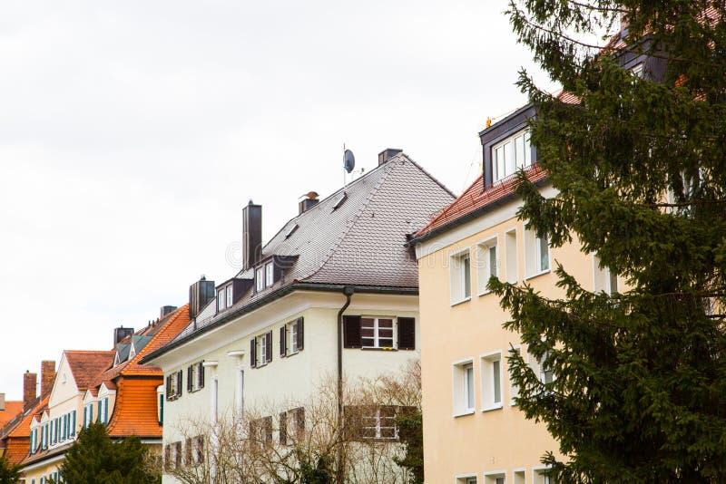 Lägenhethus i munich, hyrt som bor, idyll fotografering för bildbyråer