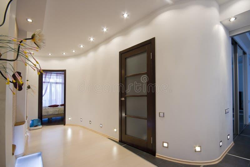 lägenhetkorridor royaltyfri bild