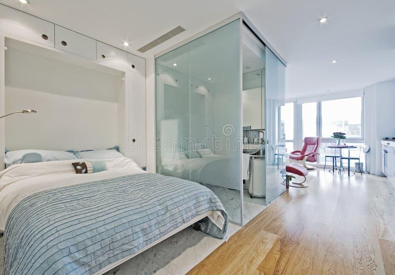 lägenhetstudio fotografering för bildbyråer