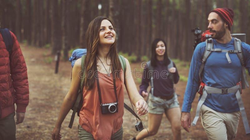 Läger Forest Adventure Travel Relax Concept arkivfoton