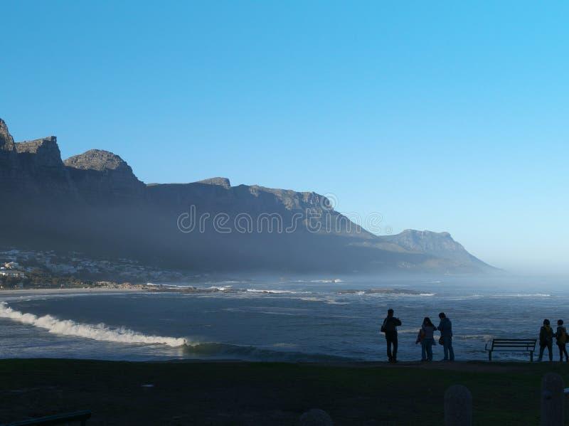 Läger skäller stranden och tolv apostlar i Sydafrika arkivfoton