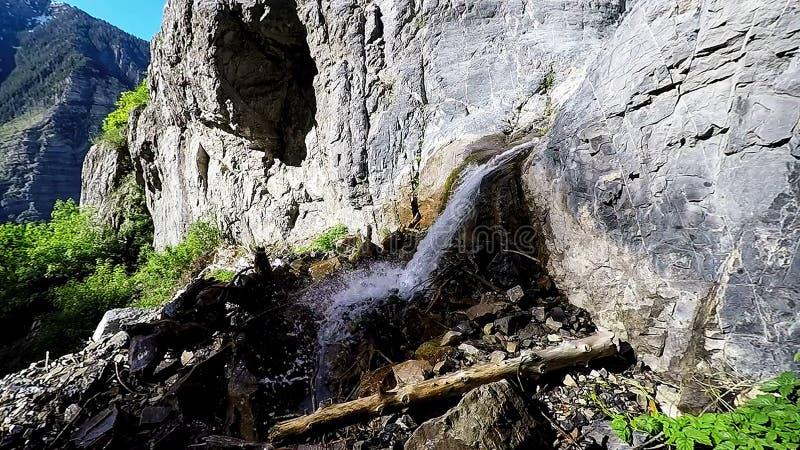 Lägre Lost Creek nedgångar från sidan arkivfoton