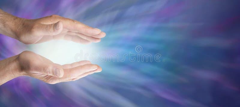 Läka händer och det blåa energiwebsitebanret arkivfoton