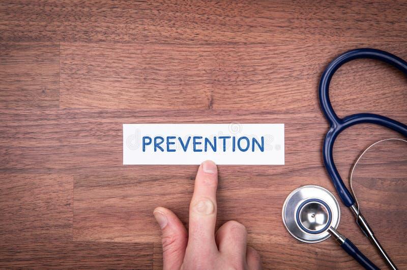 Läkaren skall öka medvetenheten om förebyggande åtgärder royaltyfri bild