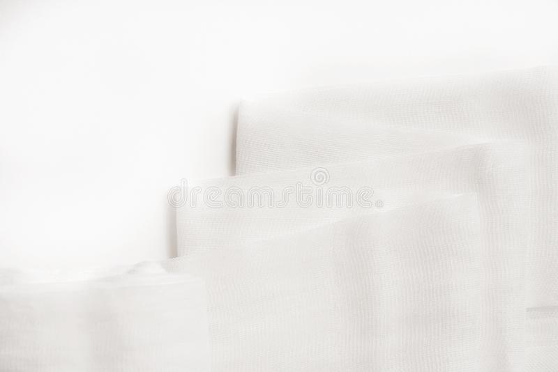Läkarundersökningen förbinder rulle, på en vit bakgrund fotografering för bildbyråer