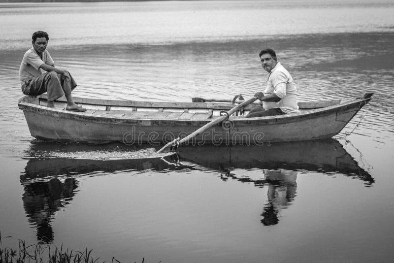 Ländliche Bootsreise: Indien stockfotos