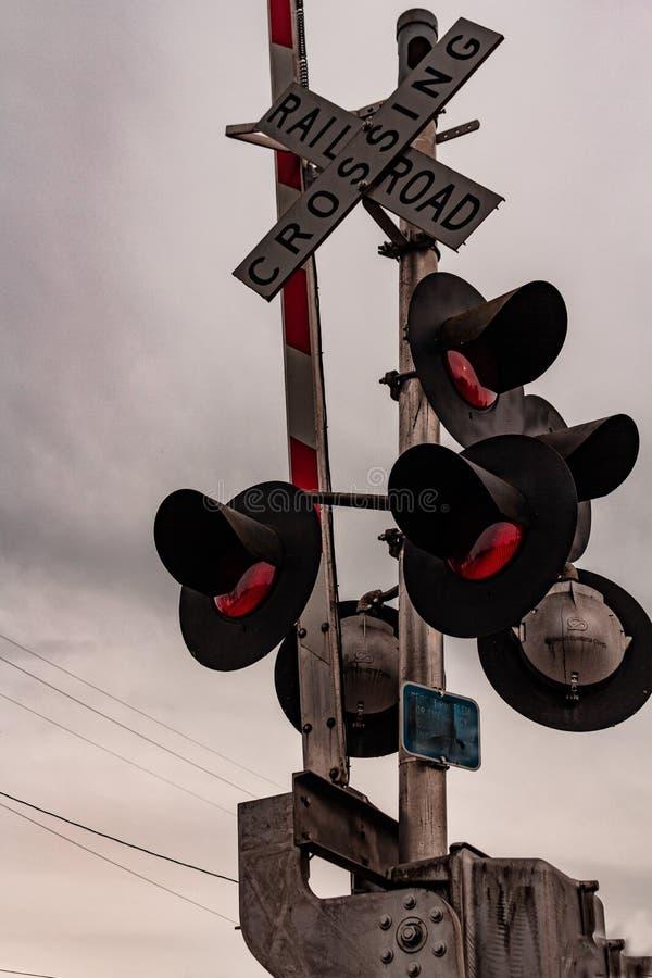 Ländliche Eisenbahn-Überfahrt in Philomath Oregon stockfotos