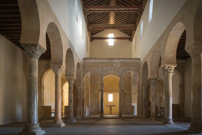 Ländliche Kirche in Leon España lizenzfreie stockfotografie