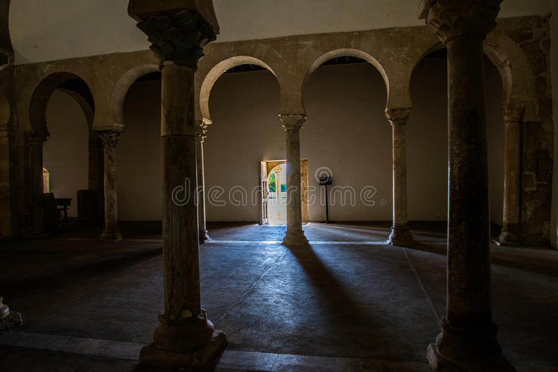 Ländliche Kirche in Leon España stockfoto