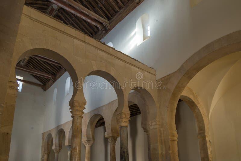 Ländliche Kirche in Leon España lizenzfreie stockbilder