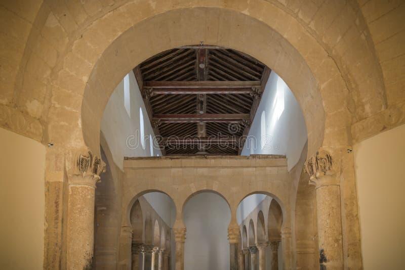 Ländliche Kirche in Leon España lizenzfreie stockfotos