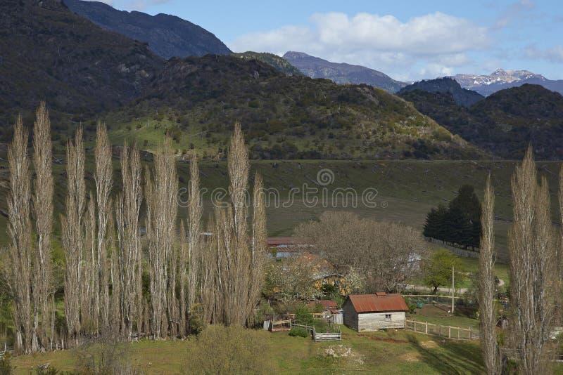 Ländliche Landschaft entlang dem Carratera Austral lizenzfreie stockbilder