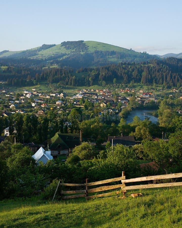 Ländliche Landschaft am frühen Morgen lizenzfreie stockbilder