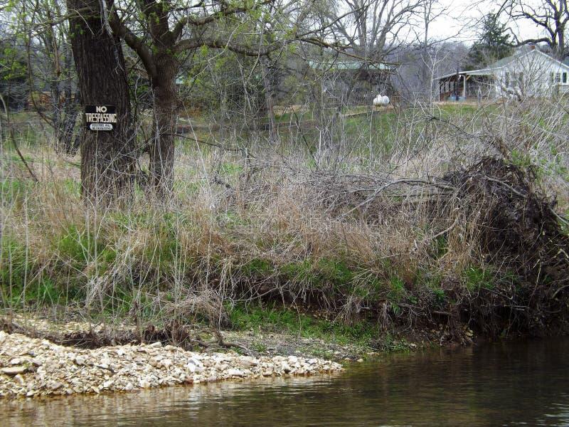 Ländlicher Fluss stockfotografie