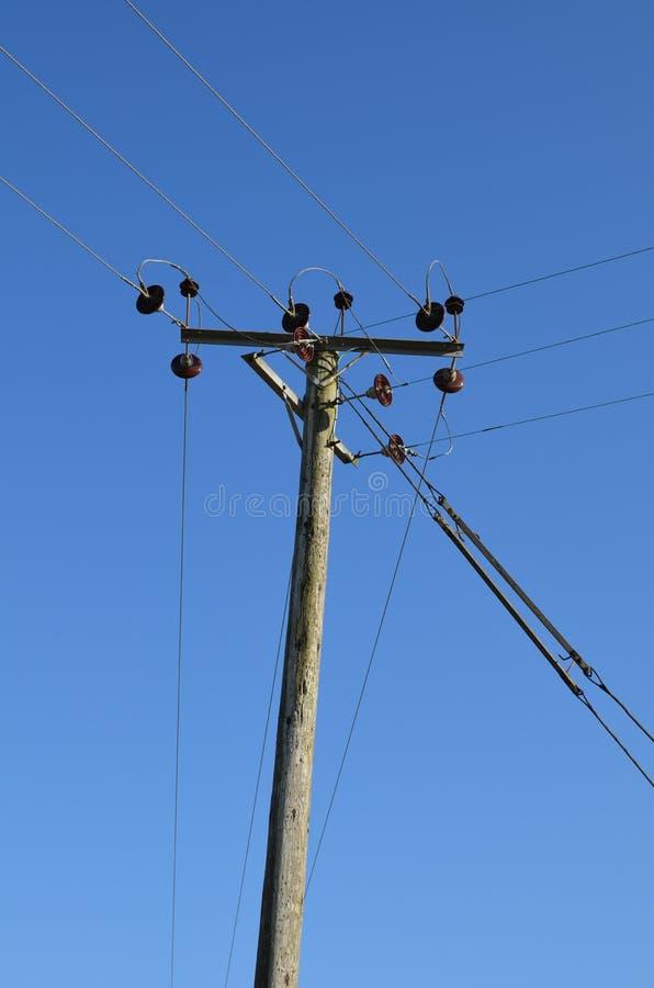 Ländlicher Strompfosten in England lizenzfreie stockbilder