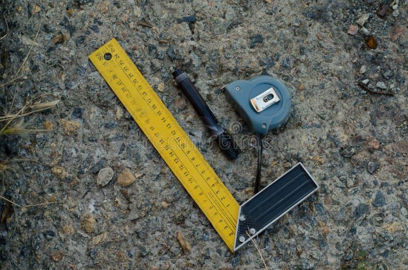 Längdmätningshjälpmedel Bekvämlighet för arbete med mätningar arkivbilder
