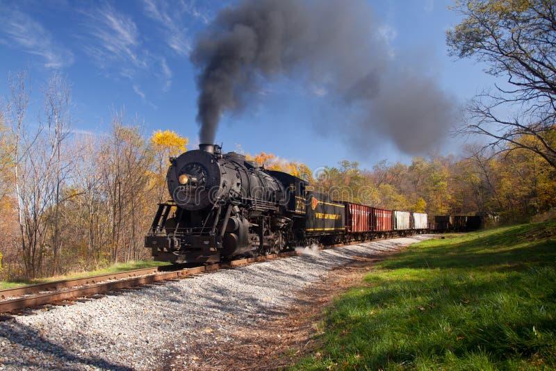 längs för ångadrev för strömmar järnväg wm royaltyfri fotografi