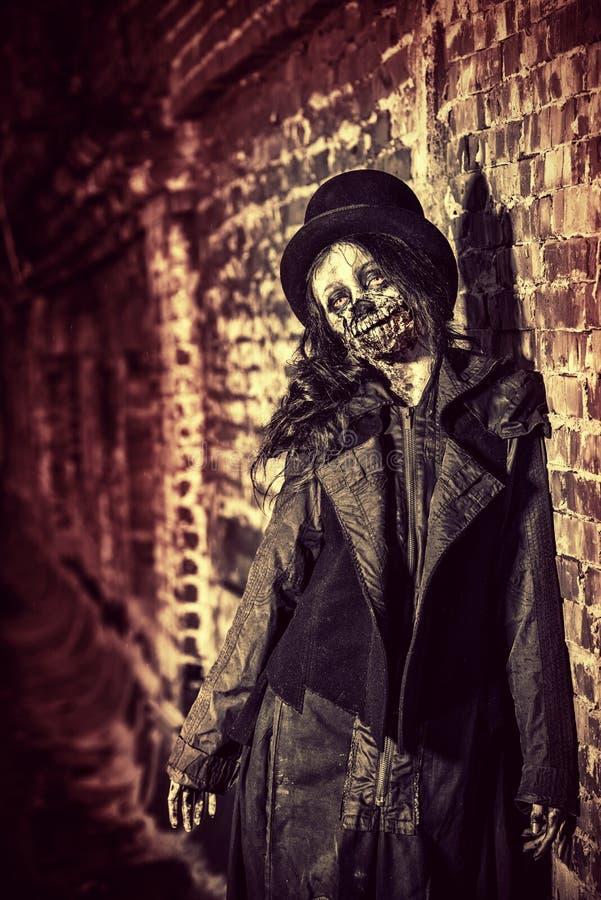 läskig zombie arkivfoton