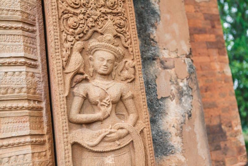 Lättnad sned stenen av forntida buddistisk kosmologi, Thailand royaltyfri fotografi