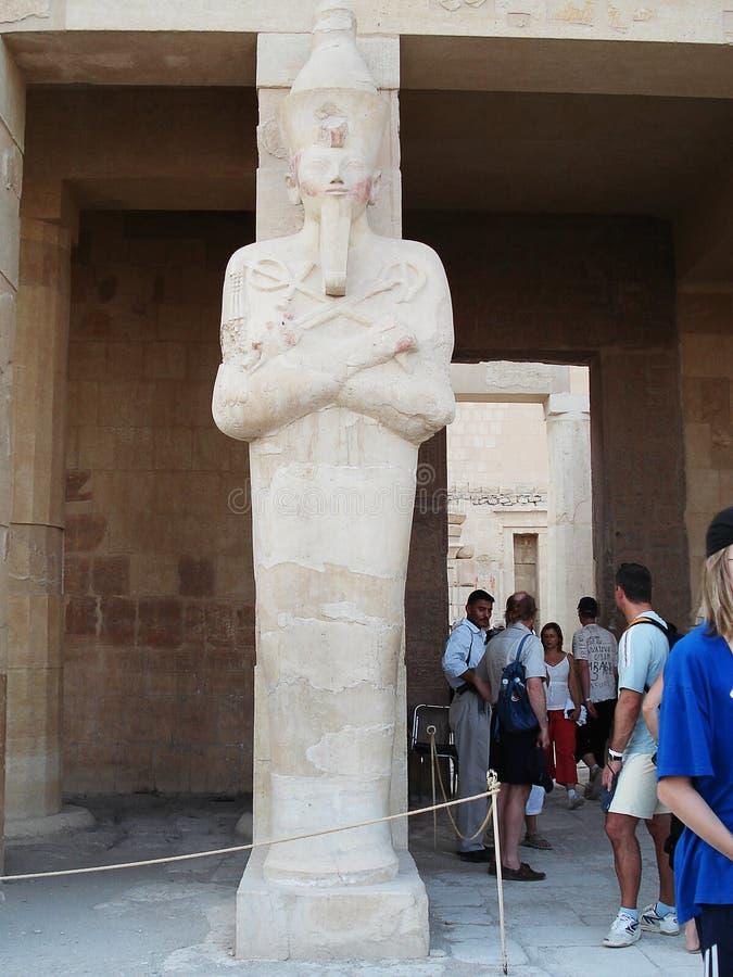 Lättnader på väggarna egypt Fördärvar av Egypten antika kolonner arkivbild