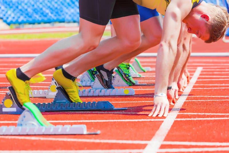 Läufer am Anfang stockfotografie