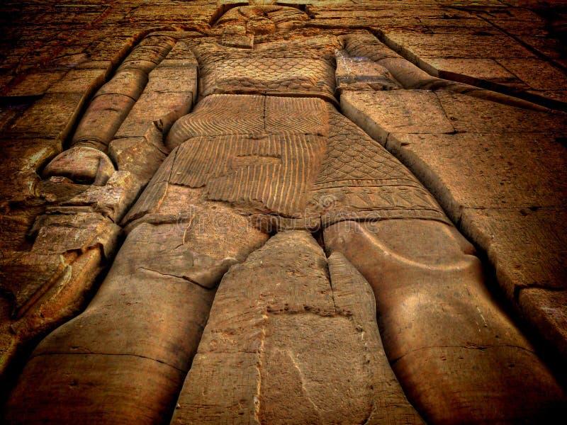 Låg lättnad på den Kom-Ombo templet (Egypten) arkivfoton