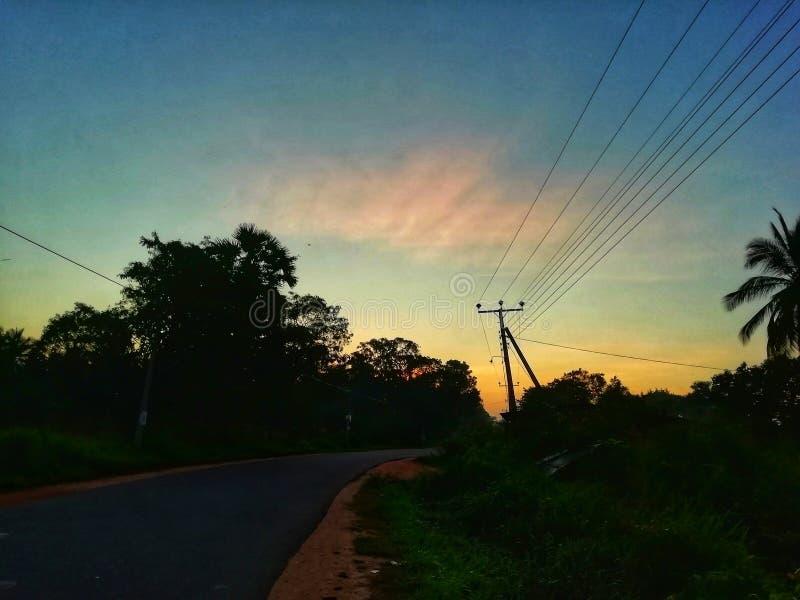 Lång dag med ljus morgon fotografering för bildbyråer