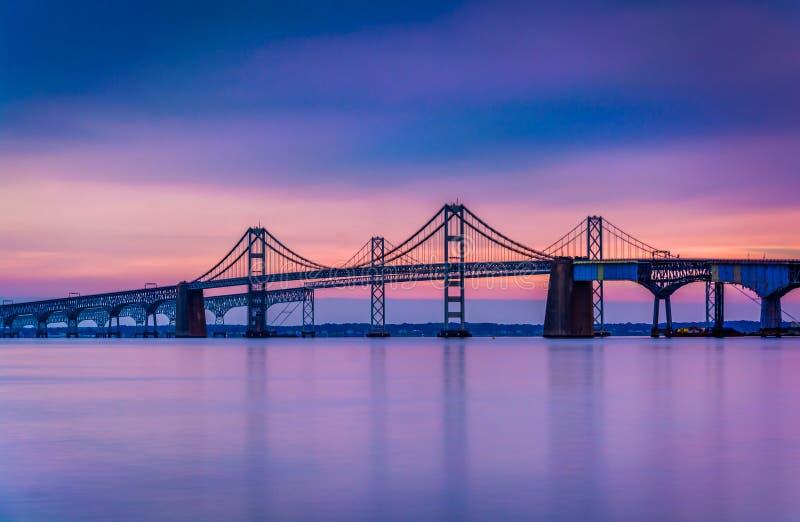 Lång exponering av bron för Chesapeakefjärd, från Sandy Point Sta fotografering för bildbyråer