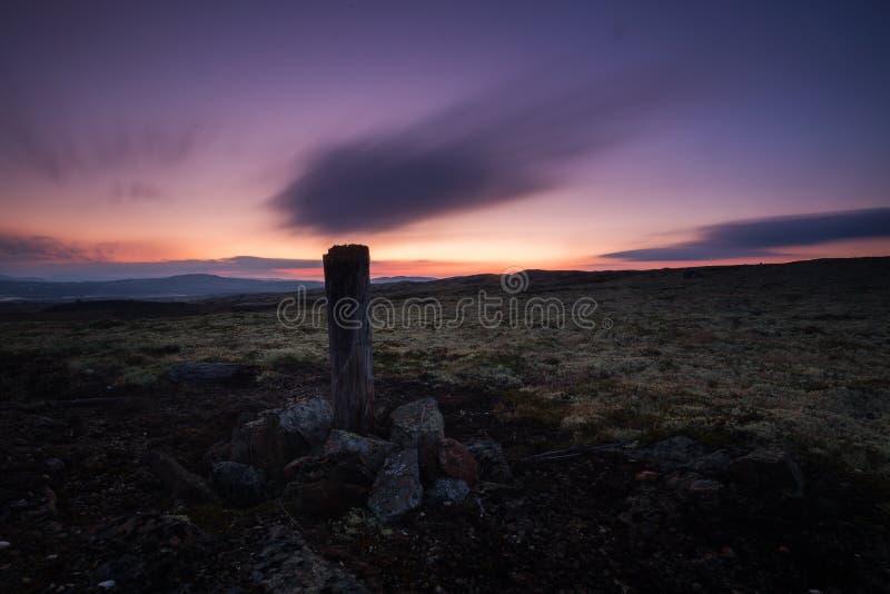 Lång exponering på natthimmel och landskap i område av Nordgruvefe royaltyfri fotografi