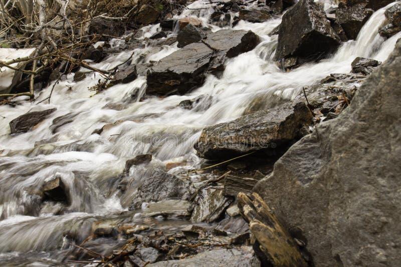 Lång exponeringsström på trädgårdliten viknedgångar, Casper Wyoming fotografering för bildbyråer