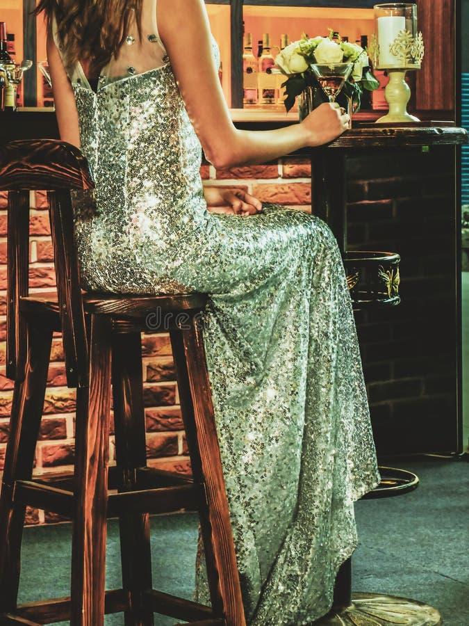 lång klänningflicka arkivbilder