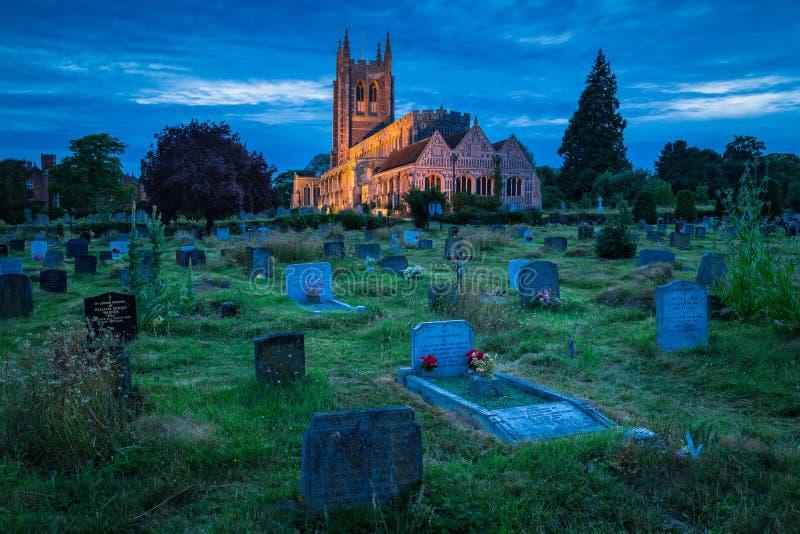 Lång Melford kyrka som tjänar som det forntida & härligt royaltyfria bilder