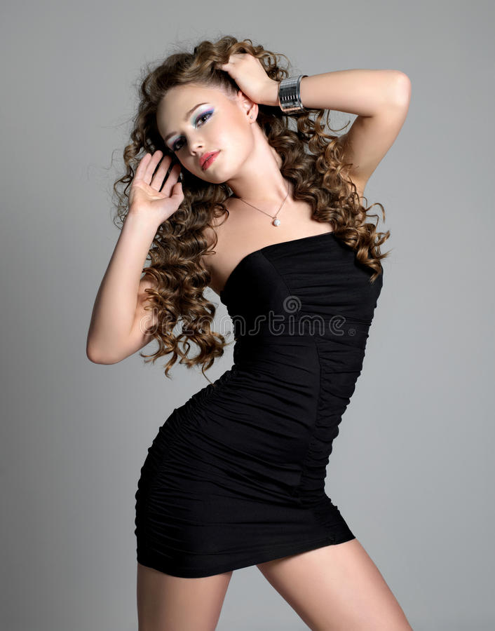 lång sexig kvinna för glamourhår fotografering för bildbyråer