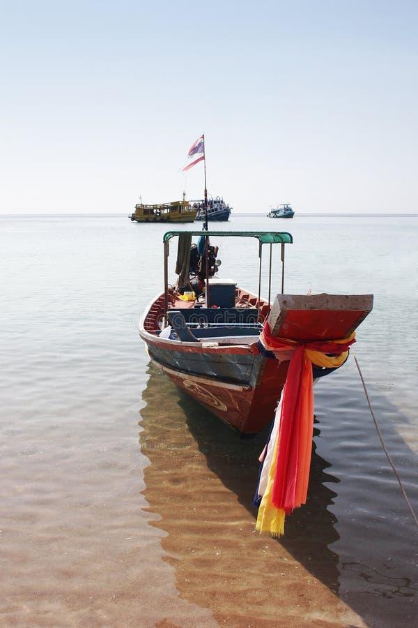 Download Lång Svan För Asiatiskt Fartyg Arkivfoto - Bild av utomhus, trä: 991322
