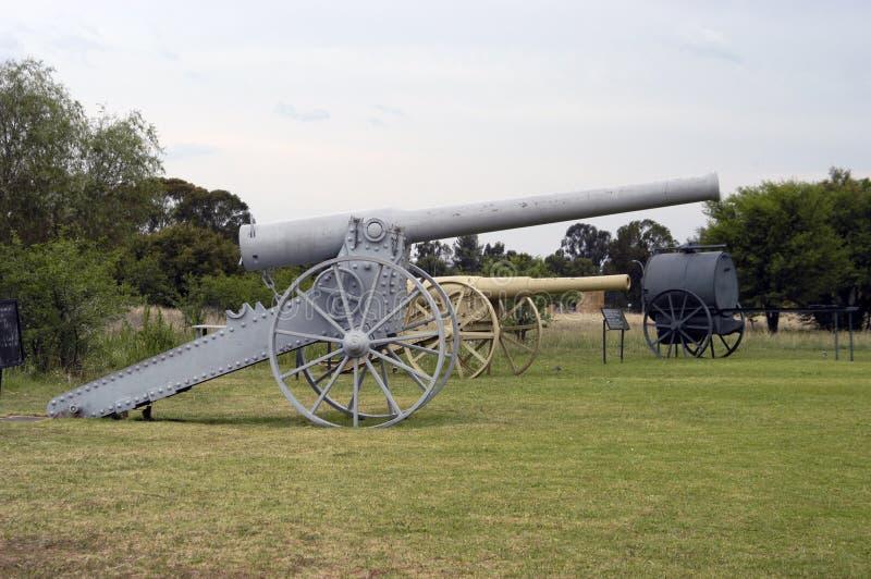 Lång Tom kanon på Womens Memorial i Bloemfontein royaltyfria foton