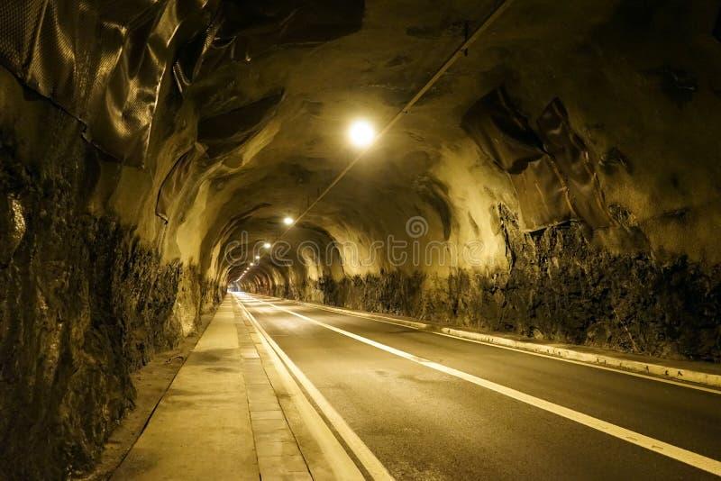 Lång tunel arkivbilder