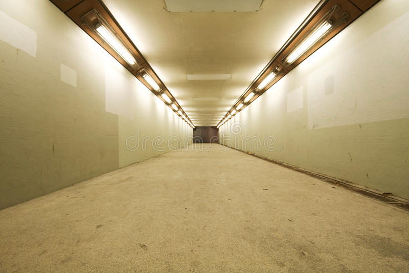 lång tunnel royaltyfri foto